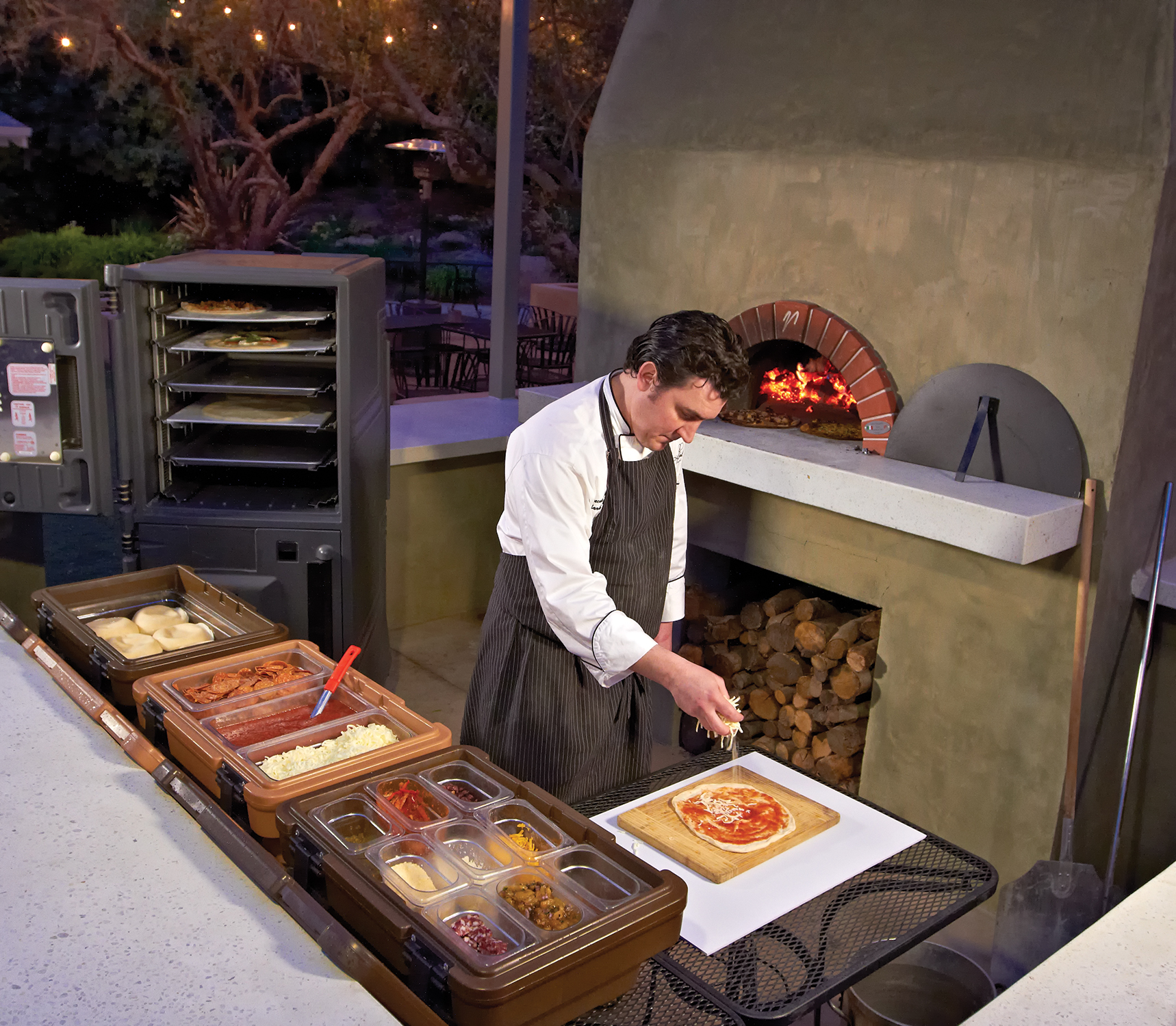 How To Set Up A Portable Pizza Bar For Your Next Event