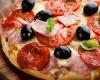 Pizza - Cambro Blog - Proofing Dough