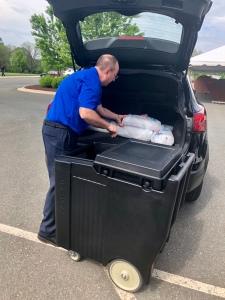 Tim loading ice caddy